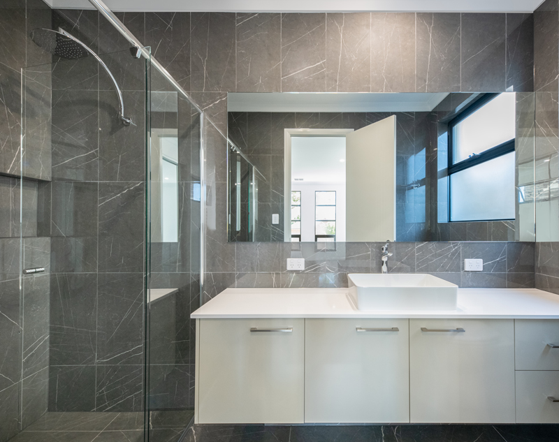 Normus Homes - George II Bathroom