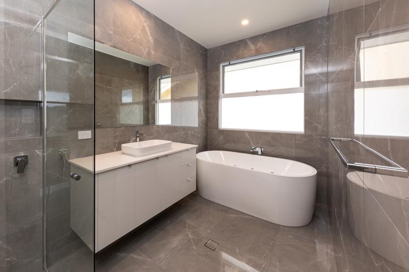 Normus Homes - Marine I Bathroom